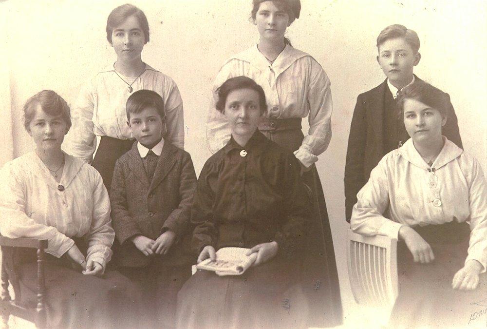 The Descendants Of John Doig Of Kirriemuir Scotland